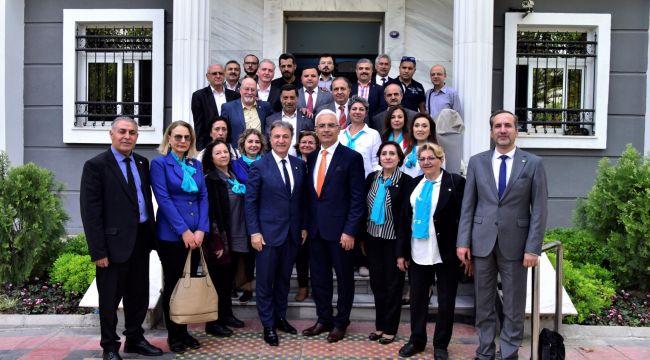 İYİ Parti'den Başkan İduğ'a ziyaret