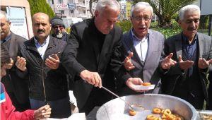 MHP'den Alparslan Türkeş Anısına Lokma Hayrı