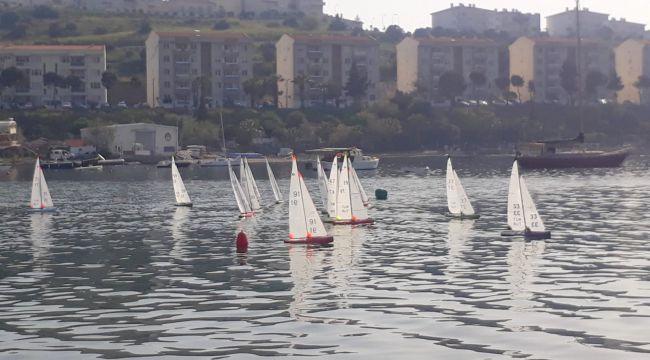 Radyo Kontröllü Yelken Yarışları Foça'da yapıldı