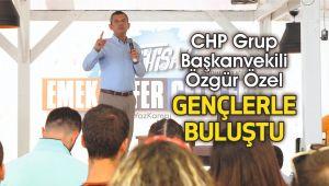 CHP Grup Başkanvekili Özgür Özel gençlerle buluştu