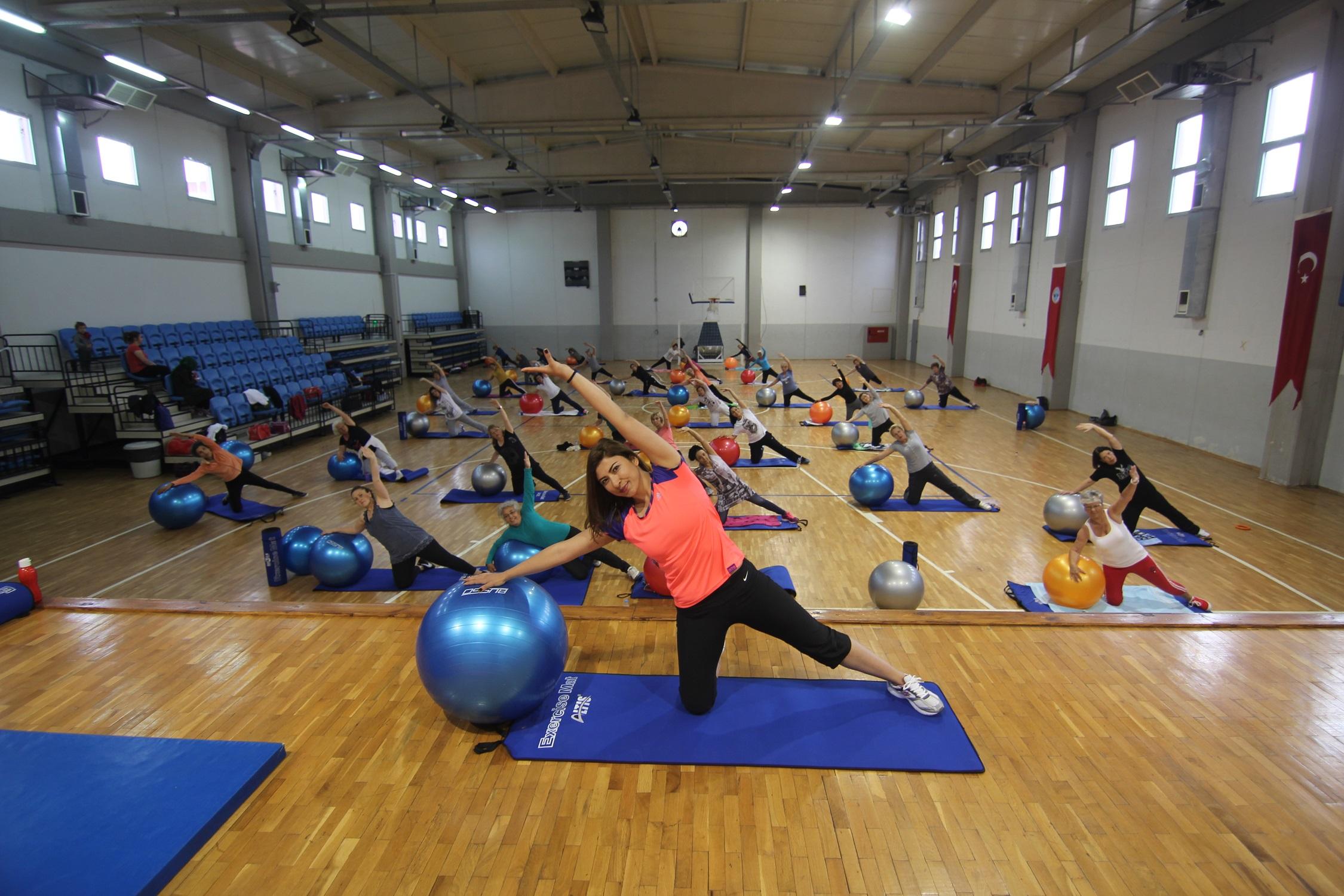 Menderes'te Sağlık İçin Spor Seansları